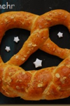 New years pretzel 2014
