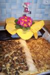Saatenmischbrot und Zwiebel-/ Pilz-Kuchen