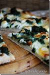 Weiße Spinat-Pizza