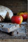 Apfel-Haselnuss-Brot