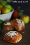 Apfel-Haselnuss-Brötchen