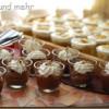 Cremiger Schokoladenpudding mit Sahnehaube