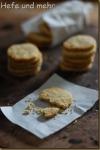 Haselnuss-Kekse mit Einkorn