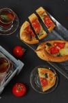 Pide mit Mangold-Tomaten-Füllung