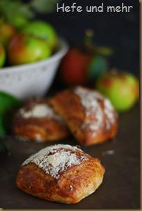 Apfel-Haselnuss-Brötchen (2)