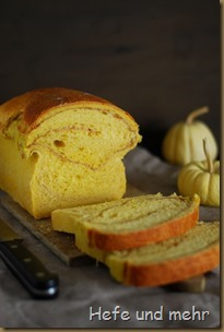 Kürbis-Zimtwirbel-Brot