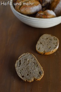 Kartoffelbrötchen mit Kürbiskernen (1)
